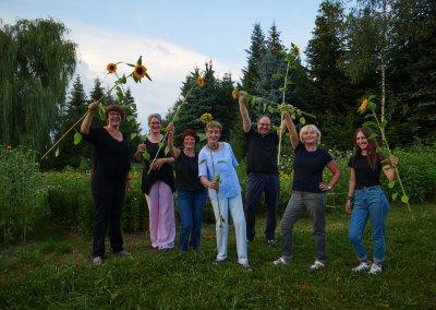 Blumen Hiedl Team Mit Sonnenblumen