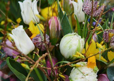 Frühlingsstrauß Weiss-Bunt