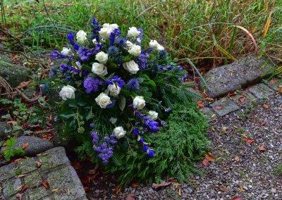 Trauerkranz Blau Weiss